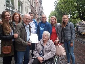 Letter 506 Joop van de Graaf met familie