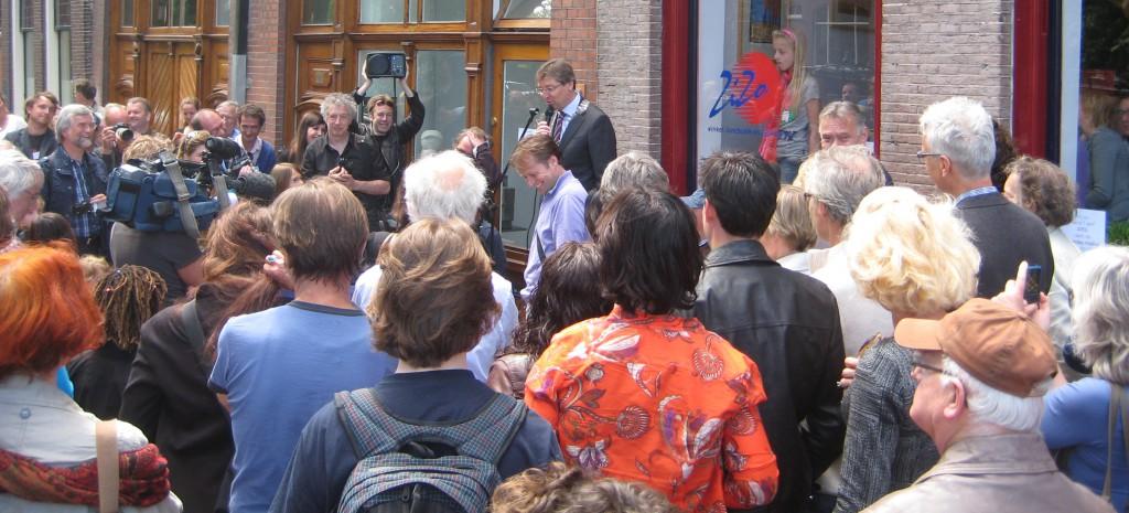 Burgermeester Aleid Wolfsen opent de Letters van Utrecht