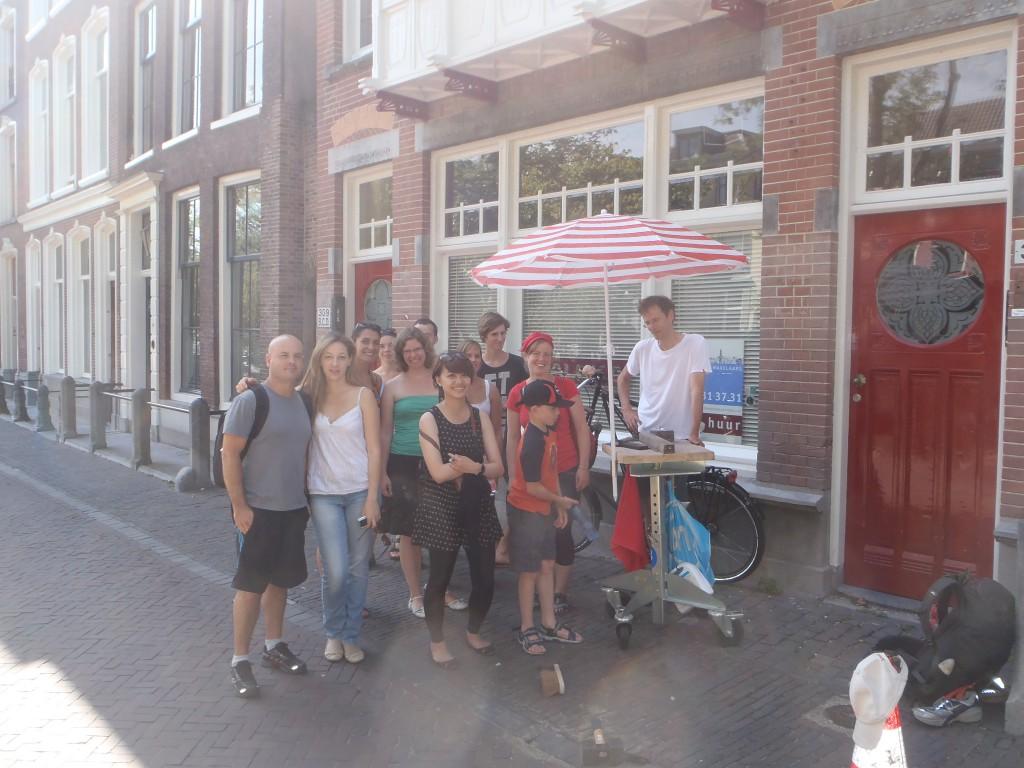 Utrecht Free Tours tonen het maken van de Letters van Utrecht iedere zaterdag