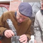 Letter 690: Frits graveert zelf