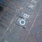 Letter 744 in de straat