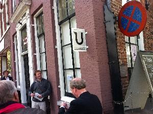Het bord over de Letters aan de gevel van Oudegracht 279