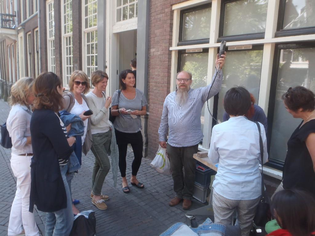 Letter 398 Gerrit Peele helpt graveren, inmidden van de boekenclub