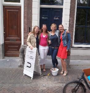 Letter 755 Ilse Kolfschoten met vriendinnen
