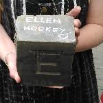 Letter 304 Ellen Hookey tekst in steen