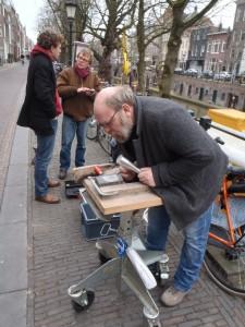 Letter 790 D wordt gemaakt door Gerrit Peele